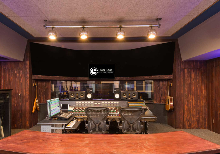 Clear Lake Recording Studios on SoundBetter