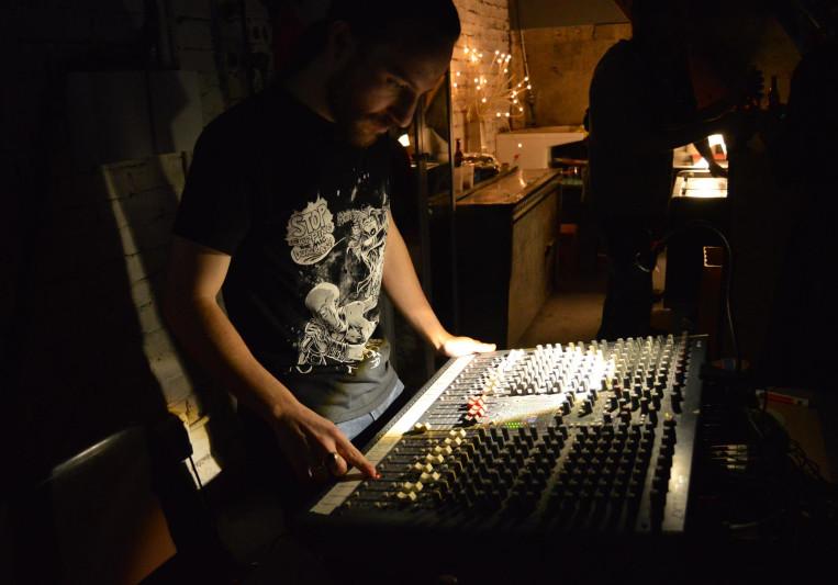 Danny Lights on SoundBetter