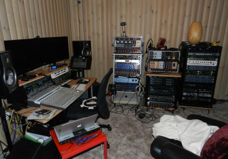 Kadaka Studio on SoundBetter