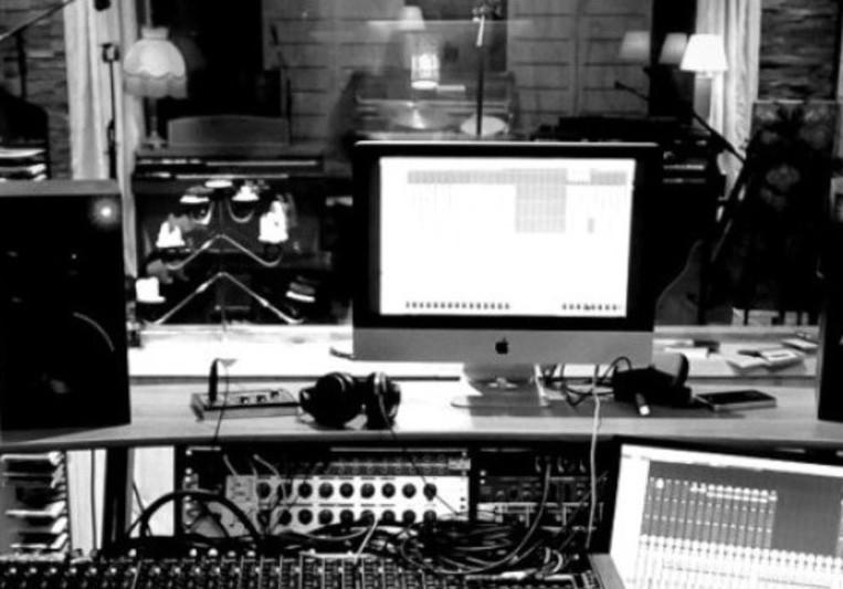 Stringer Soundroom on SoundBetter