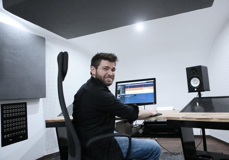 DNA-Studios on SoundBetter