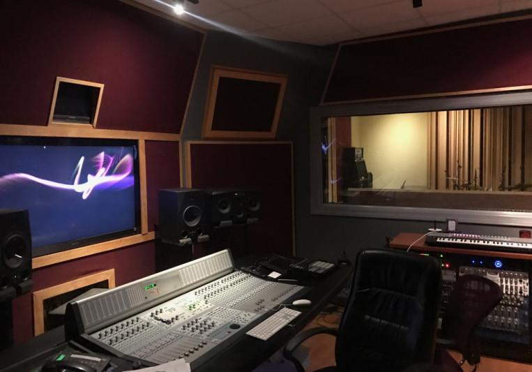 Universal Music Production Cen on SoundBetter