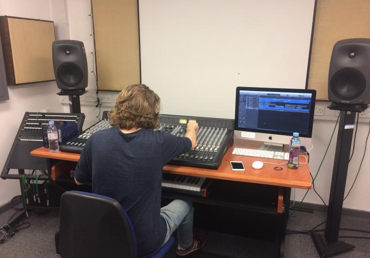 Drew Dutoit (Aftermind) on SoundBetter