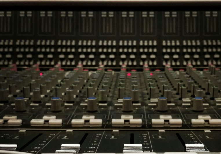 Custom Machine Productions on SoundBetter