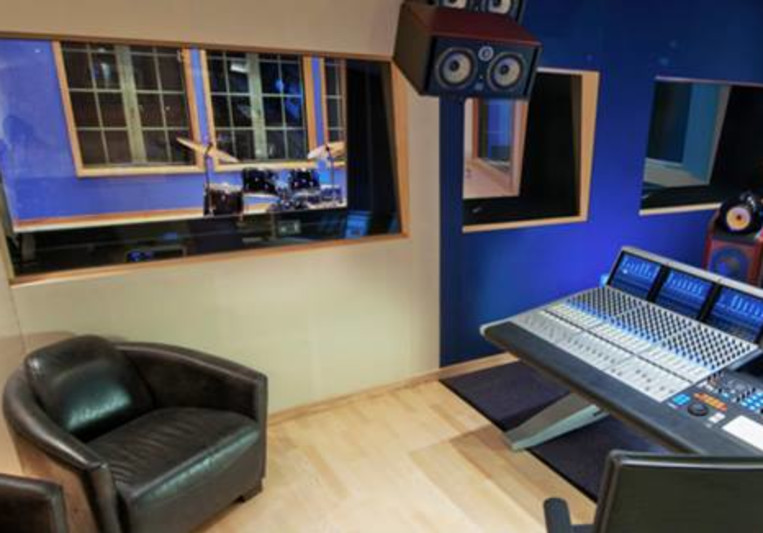 Hana Road Studios on SoundBetter