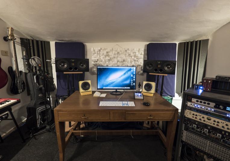 Castle Studio on SoundBetter