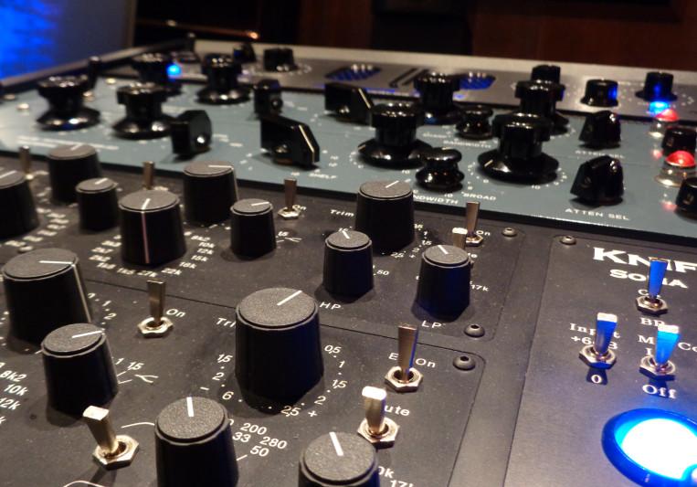 Mark Robinson MASTERING on SoundBetter