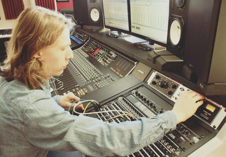 Riccardo Menegon on SoundBetter
