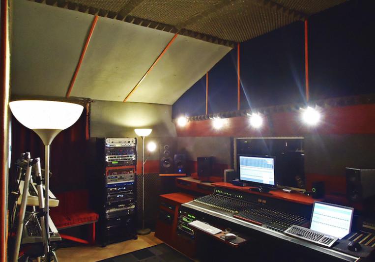 FP RECORDING STUDIO on SoundBetter