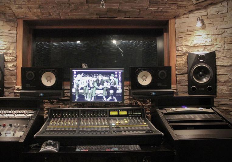 JOHN TANAKA on SoundBetter