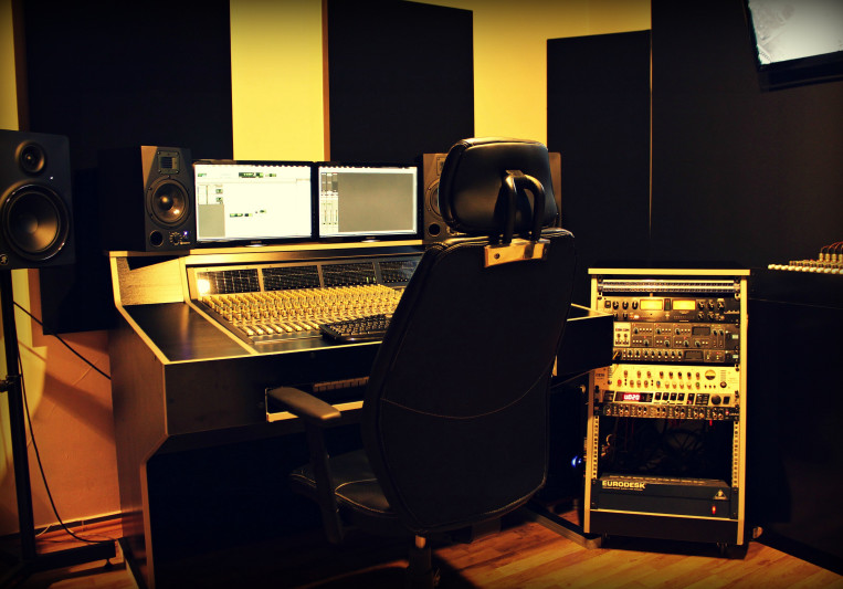 Electronic Mixing & Mastering on SoundBetter