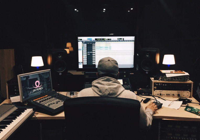 Alexandr Domrachev on SoundBetter
