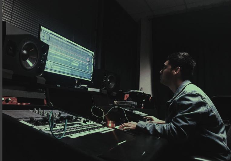 Sonic Right Studios on SoundBetter
