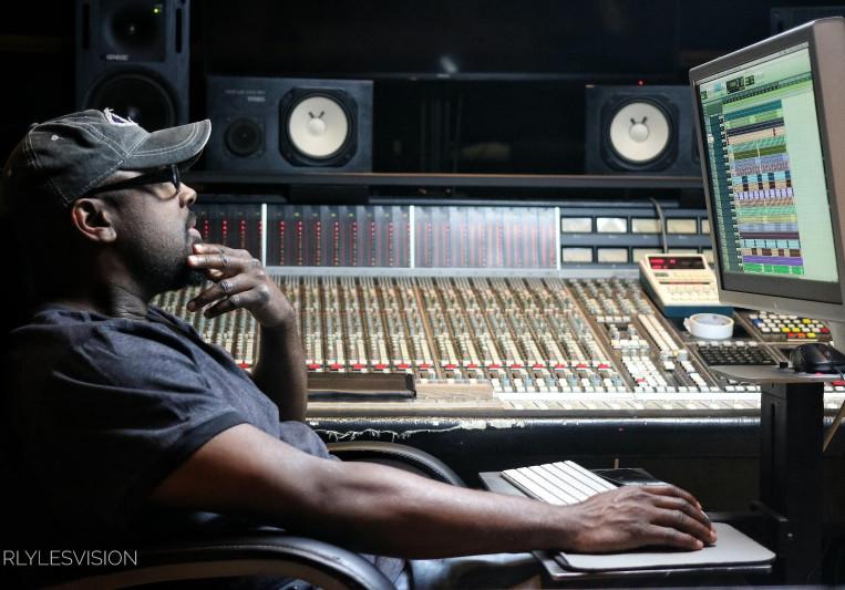 Stereo Mixtrumental on SoundBetter