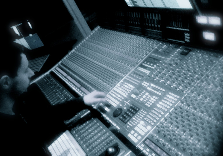 JLX on SoundBetter
