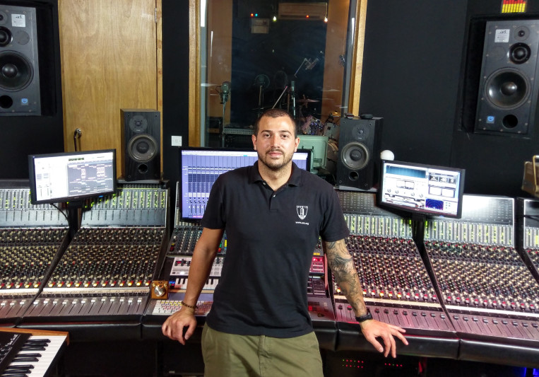 Pino Leoni ✪ on SoundBetter