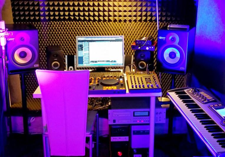 """Studio nagrań """"11"""" Łódź on SoundBetter"""