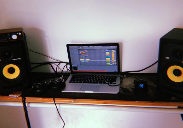 L!MBO on SoundBetter