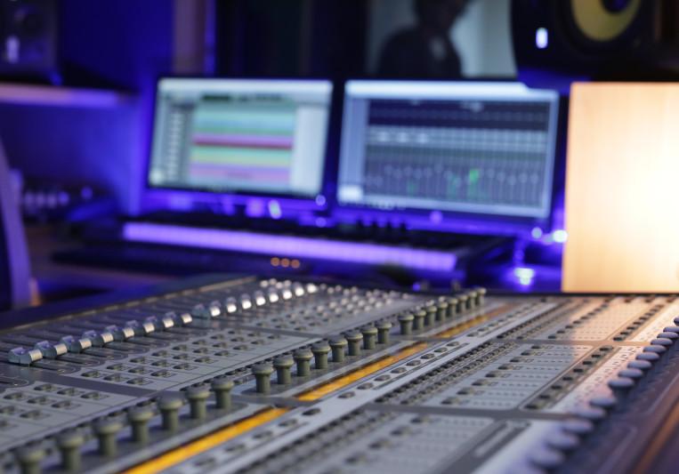 Konnekted Studios on SoundBetter