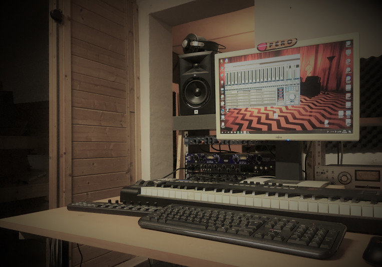 Megahit Lair Studio on SoundBetter