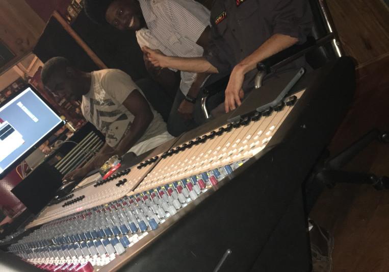 "Lawrence ""Congo"" Mendoza on SoundBetter"