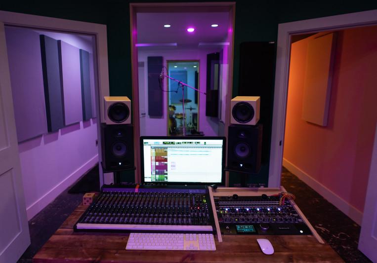 Nicholas Holmes on SoundBetter