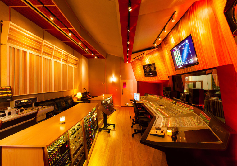 Pilot Recording Studios, Inc on SoundBetter