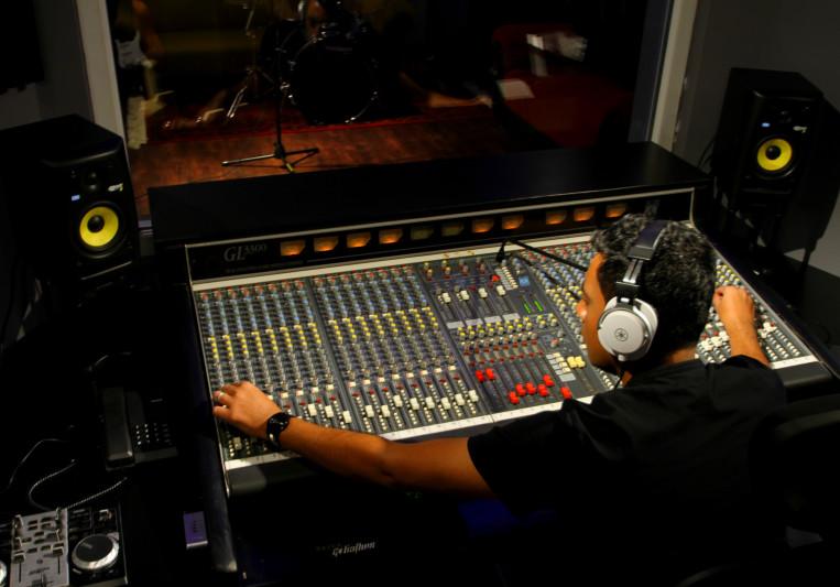 Studio 7 on SoundBetter