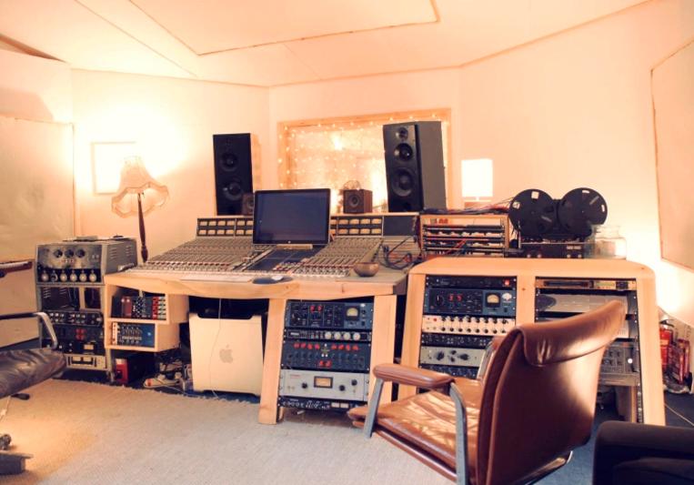 Brett Shaw 123 on SoundBetter