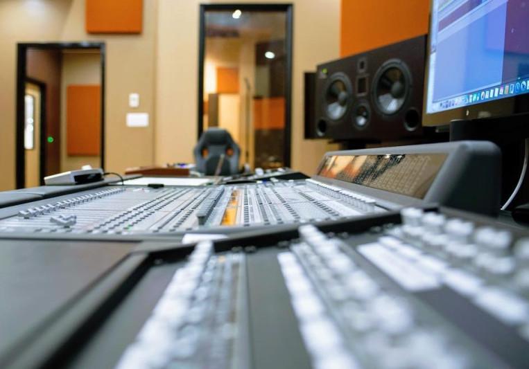 Bridges Recording Studios on SoundBetter