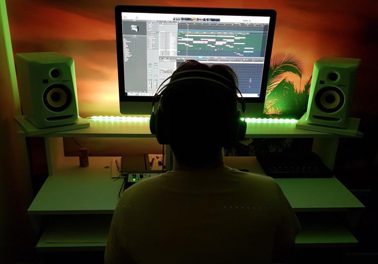 Green Light Music on SoundBetter