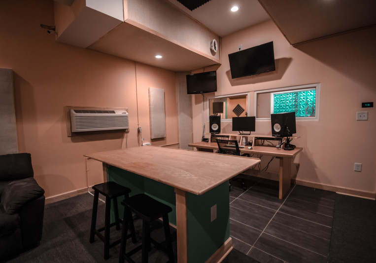 GoodPeeples Studios on SoundBetter