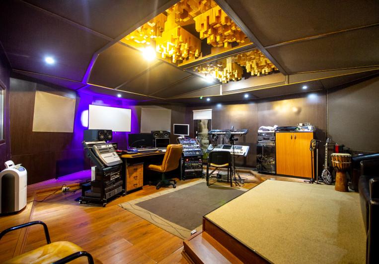 Gabriel Huiban on SoundBetter