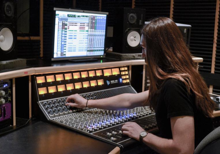 Side Room Sounds on SoundBetter