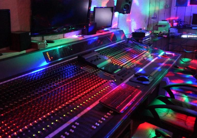 Lynx tracks on SoundBetter