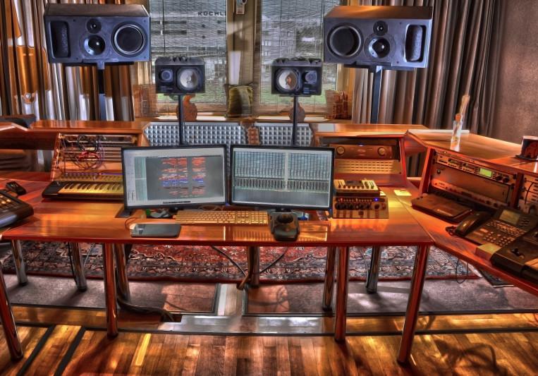 Schallzentrale Soundstudio on SoundBetter
