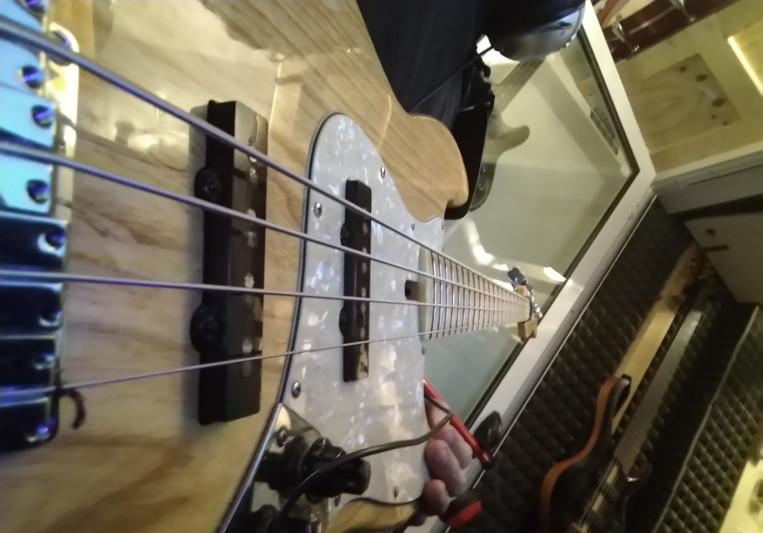 Lorenzo Corrias on SoundBetter