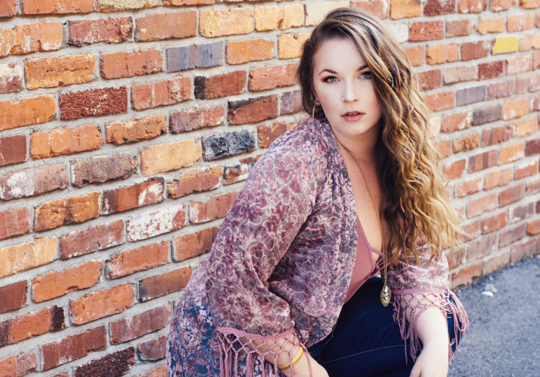 Mandy Brooke on SoundBetter
