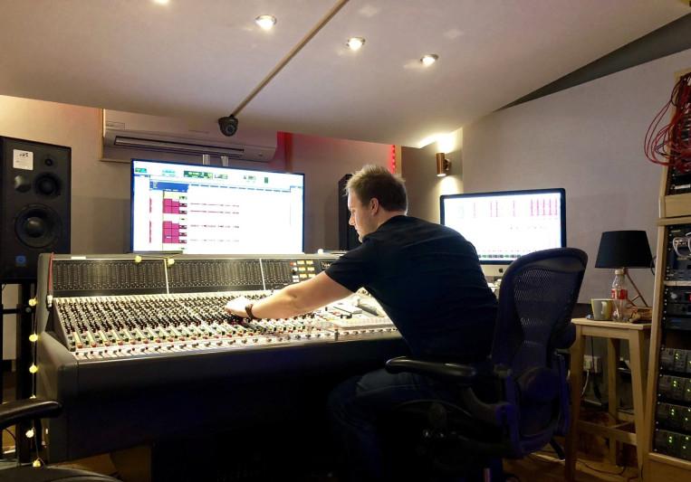 Adam Fiasco on SoundBetter