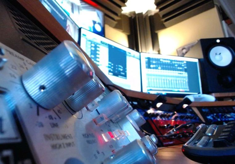 Adotstate Recordind Studios on SoundBetter