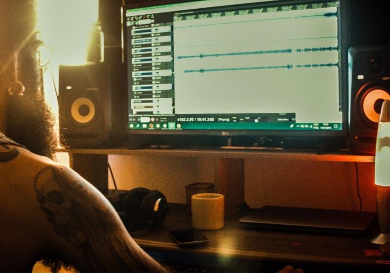 Raphael Ferreira on SoundBetter