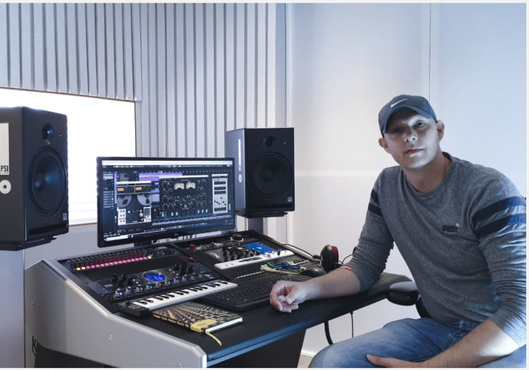 Mixing-online co uk - Test my mixing skill for free - London