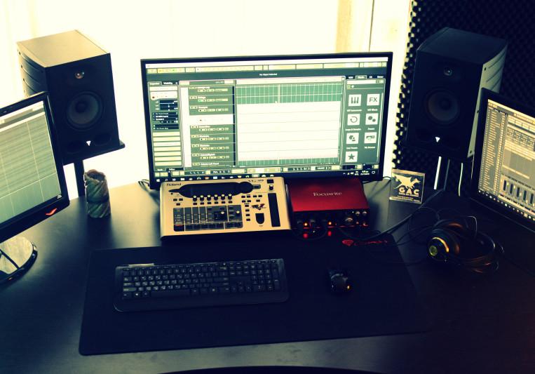 Dimos Stathoulis on SoundBetter