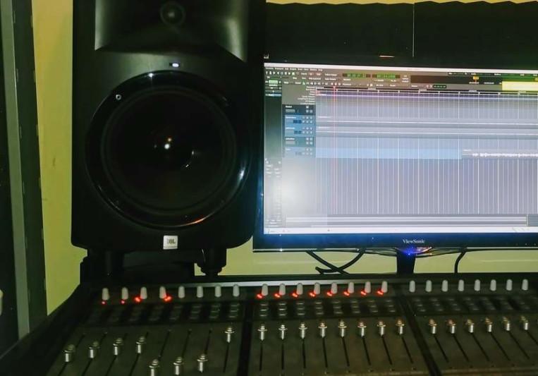 Stemp's Studio on SoundBetter
