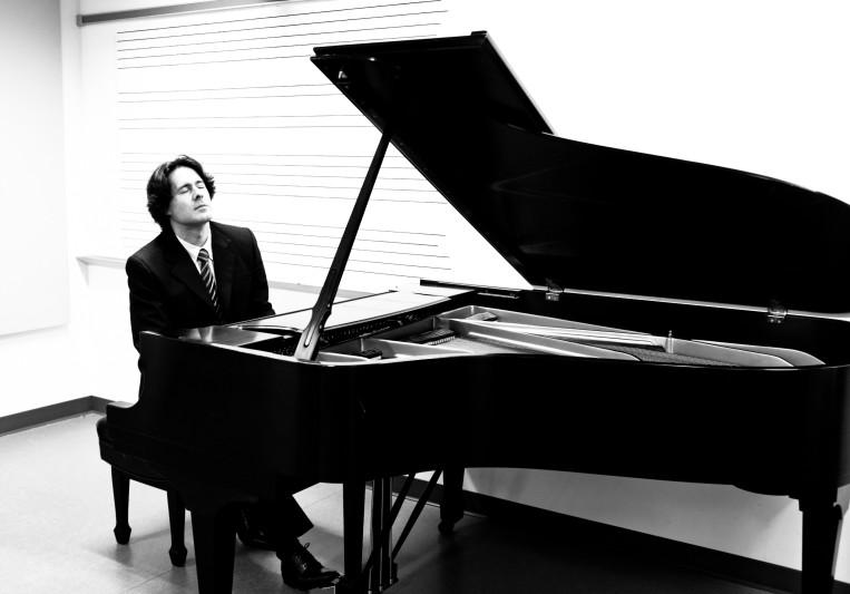 Martin Gallegos - Piano on SoundBetter
