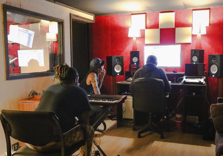 Beu studios on SoundBetter