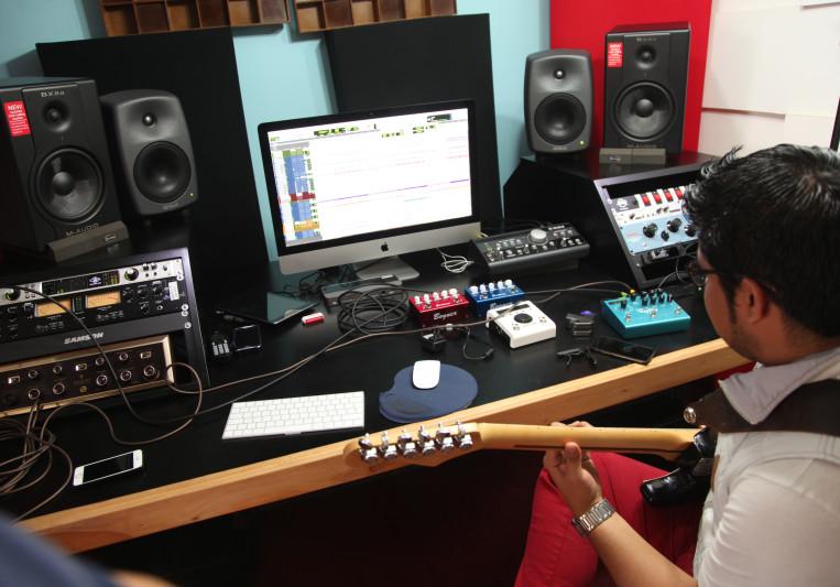 Henry Mello on SoundBetter