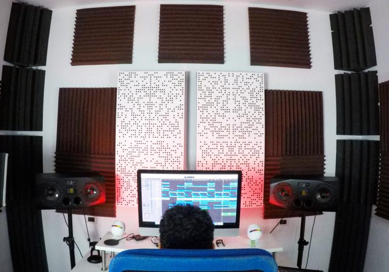 redbox studio on SoundBetter