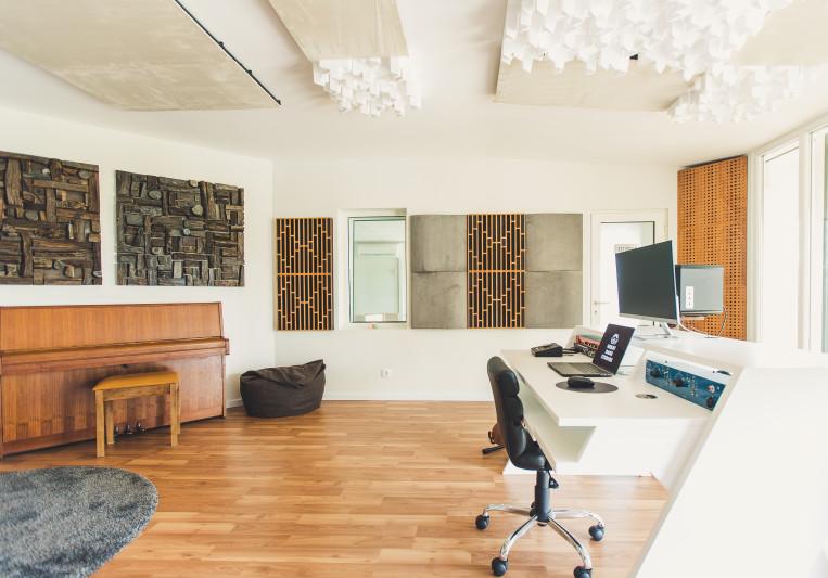 Great Dane Studios on SoundBetter