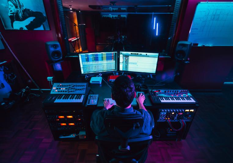Santiago Borja - Loop Studio on SoundBetter